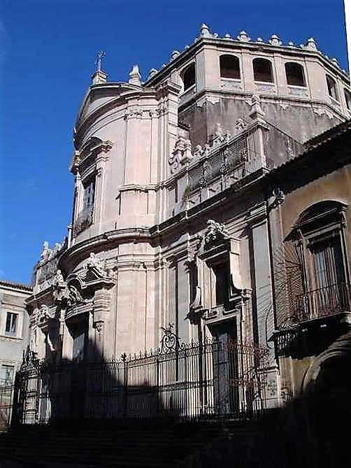 CT - san Giuliano via Crociferi