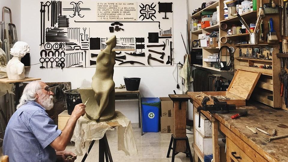Lo scultore Salvatore Rizzuti